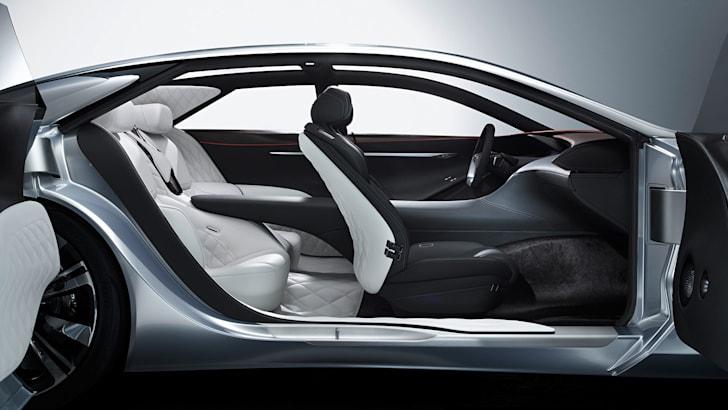 Infiniti Q80 Inspiration - interior