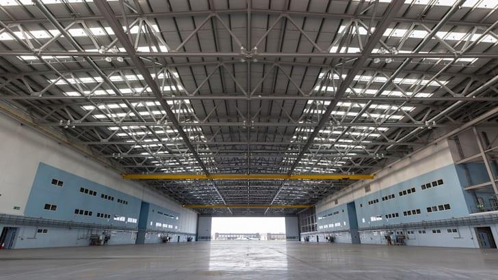 aston-martin-st-athan-hangar