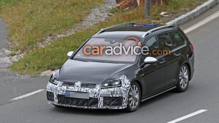 volkswagen-golf-r-wagon-facelift-spy-1-hero