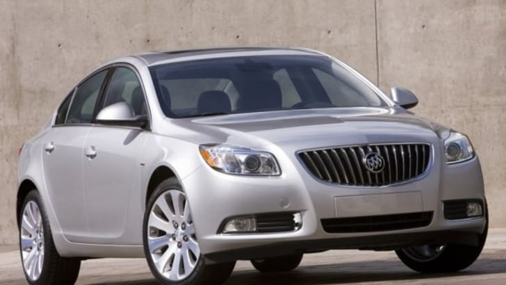 2011-Buick-Regal-588