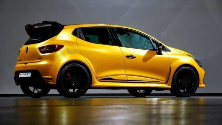 2016-renault-clio-rs-250-rz-01_leaked_03