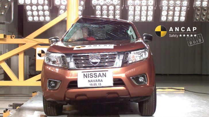 PHOTO - Nissan Navara (Mar2015-onwards) pole MR