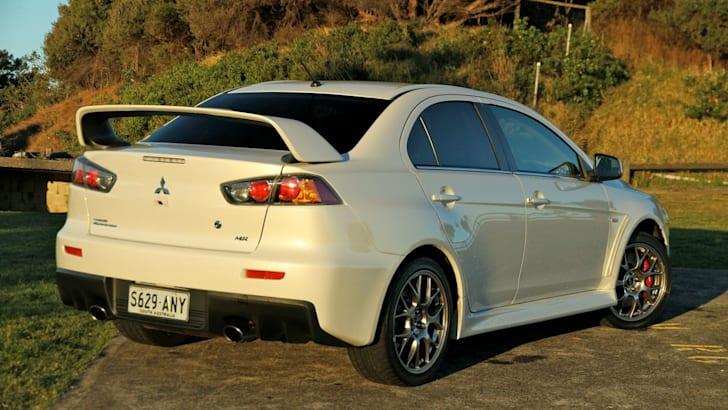Mitsubishi-EVO-X17