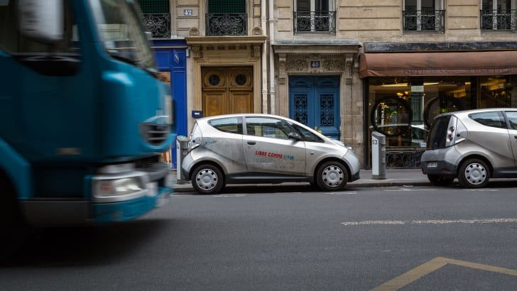 ev-car-share-paris-autolib-2015-18
