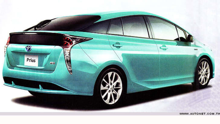 2017_toyota_prius_possible-leak_00a