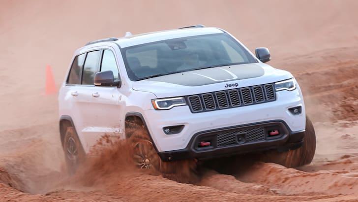 jeep-cherokee-trailhawk-off-road-2