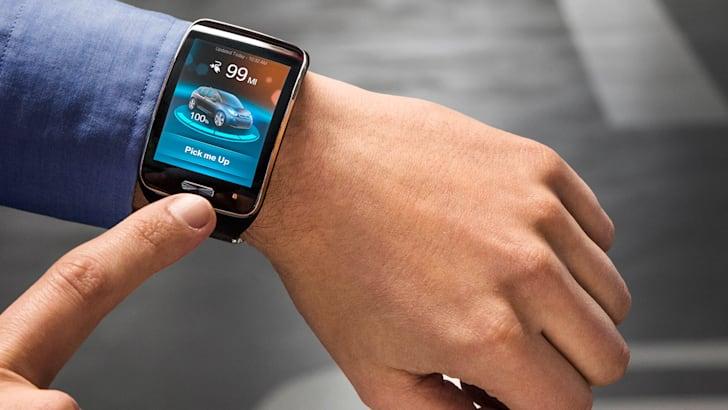 bmw-ces-valet-smartwatch
