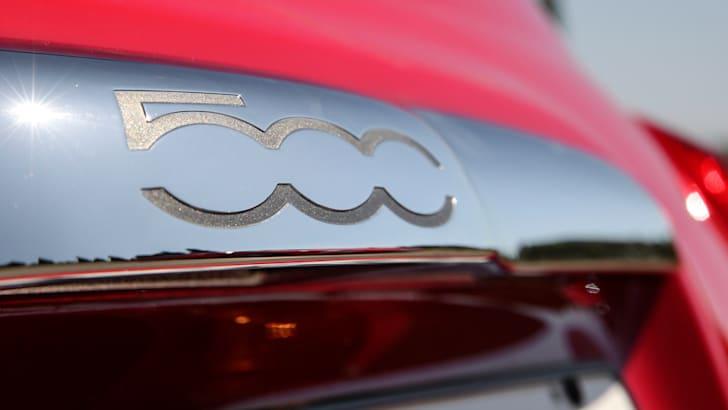 2016 Fiat 500 - Rear logo