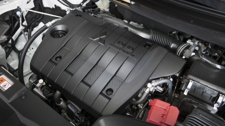 Outlander 2.2 Diesel engine