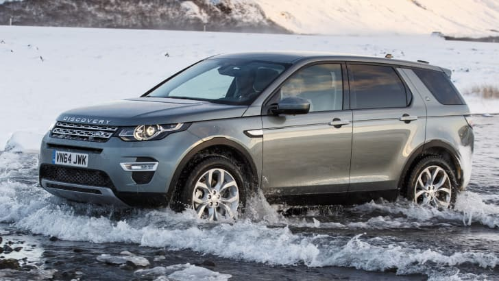 Land Rover Discovery Sport water crossing