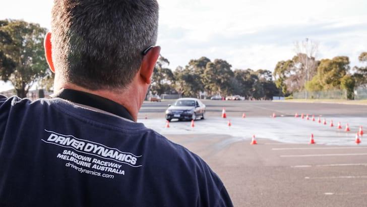 2015-thecorrespondent-driver-training-30