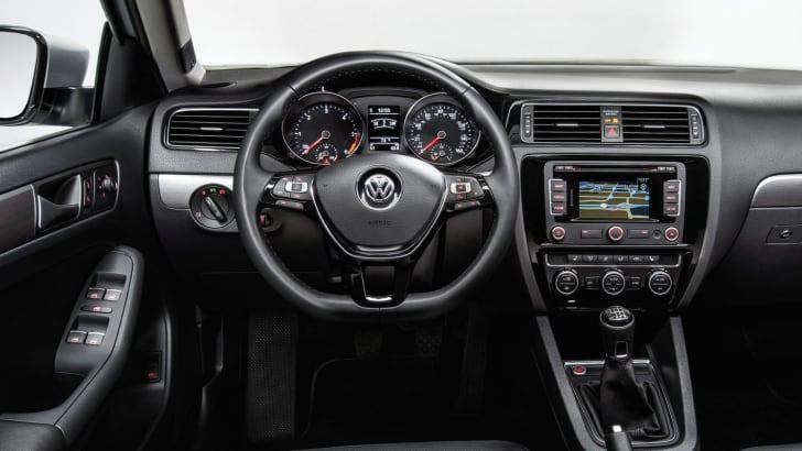 2015-Volkswagen-Jetta-3