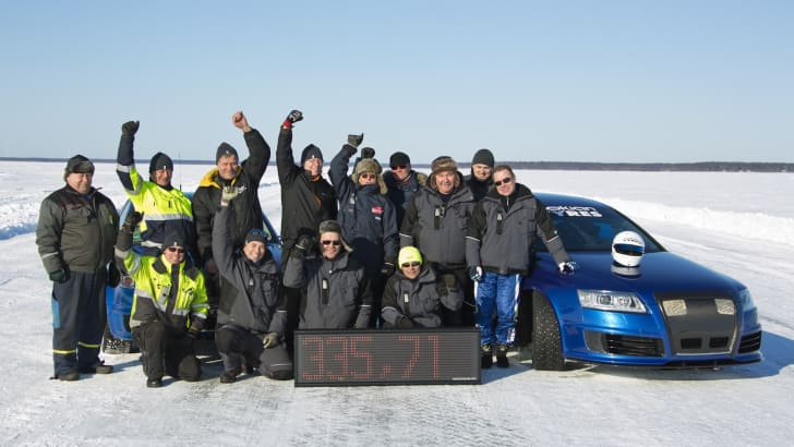 Audi RS6 Fastest Car on Ice - 7