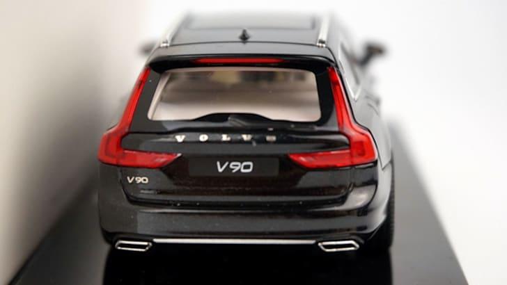 volvo-v90-model-rear