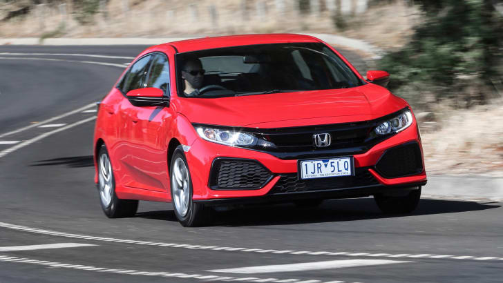 2017_honda_civic_hatch_review_01_civic-vti_03