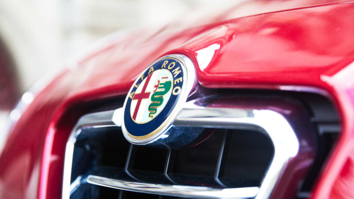 Alfa Romeo grille and badge from the Giulietta