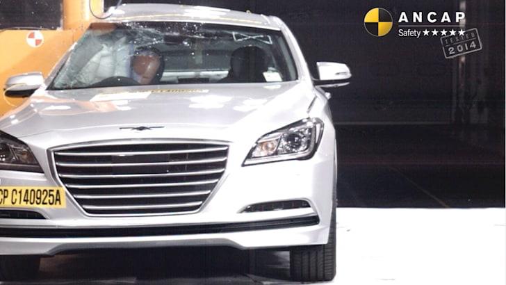 PHOTO - Hyundai Genesis 2014 (5 star) pole