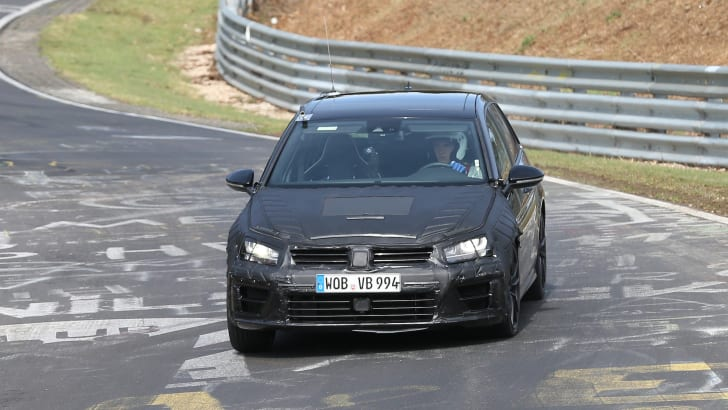 VW Golf R spy 4