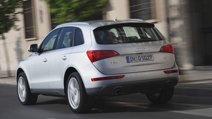 2009audiq5-rear