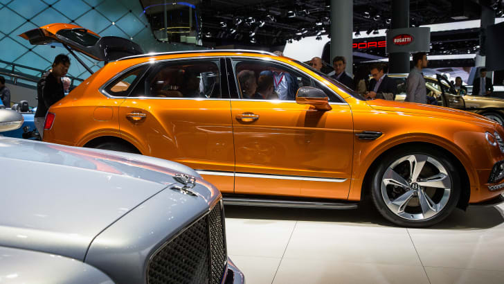 bentley-bentayga-20150-frankfurt-show-orange