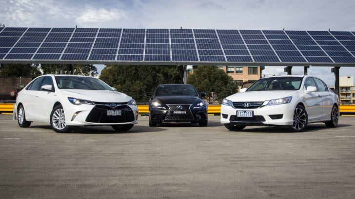 2015-honda-accord-1hybrid-toyota-camry-hybrid-lexus-is300h-hybrid-comparison-1