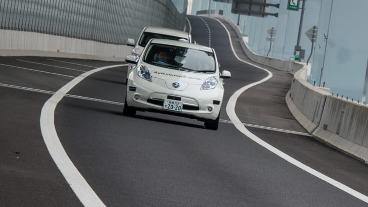 2016_nissan-leaf_intelligent-driving_autonomous-driverless_02