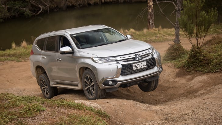 2016-mux-fortuner-everest-pajerosport-patrol-4x4-wagon-comparison-296