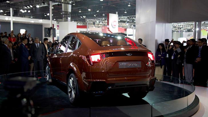 2017-Mahindra-XUV-Coupe-Concept-10