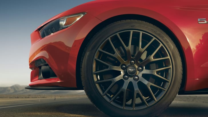 Ford-Mustang-Wheel