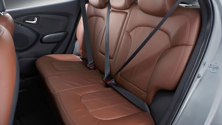 ix35_rear seats 2