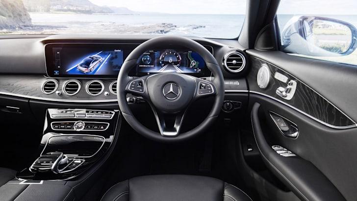 2016-Mercedes-Benz-E-Class-28