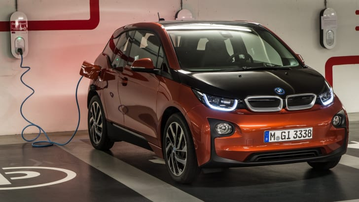 BMW i3 orange recharge bay