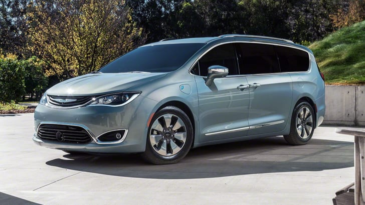 2016_chrysler_pacifica_overseas_11