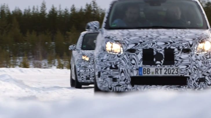 Smart ForFour Spied-12