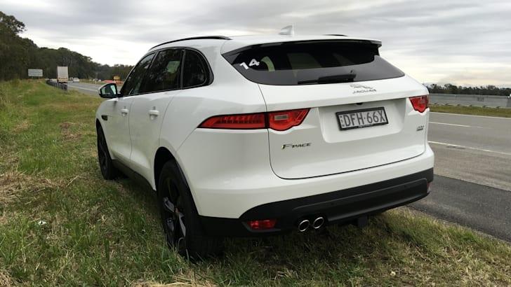 2017-Jaguar-F-Pace-Review- - 9