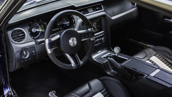 transforming-a-2012-shelby-mustang-into-a-1967-shelby-mustang-8