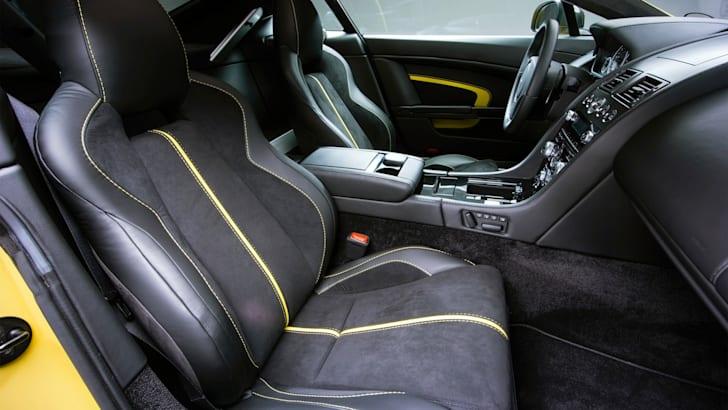 Aston-Martin-V12-Vantage-S-5