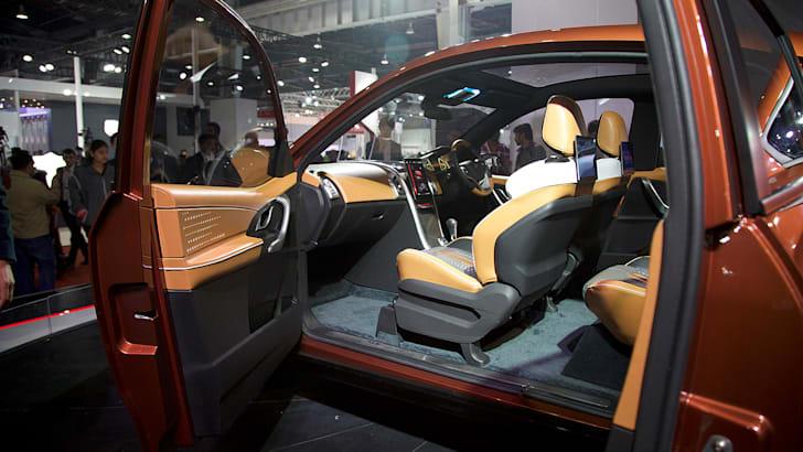 2017-Mahindra-XUV-Coupe-Concept-2