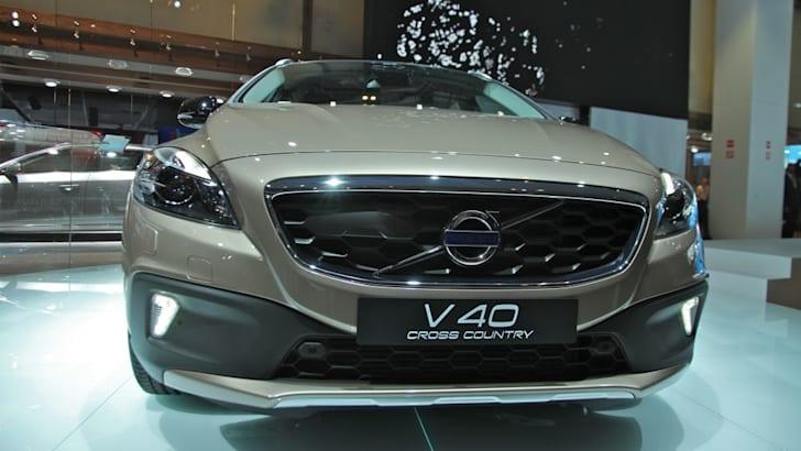 Volvo V40 kills off S40 and V50 | CarAdvice