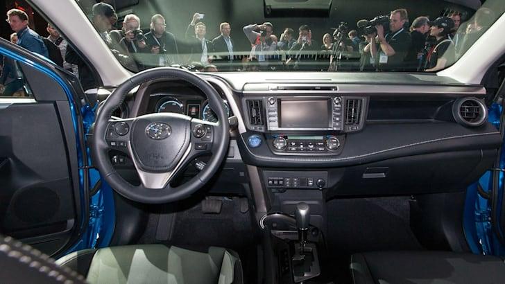 toyota-rav4-hybrid-interior