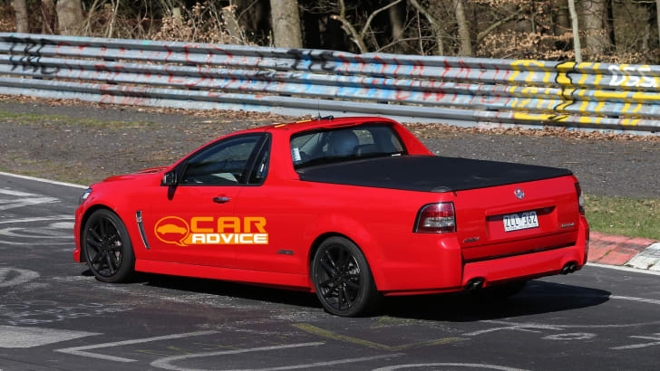 Holden-VF-Commodore-Ute-SS-4
