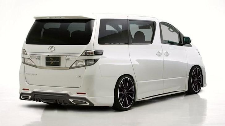 Lexus van 2