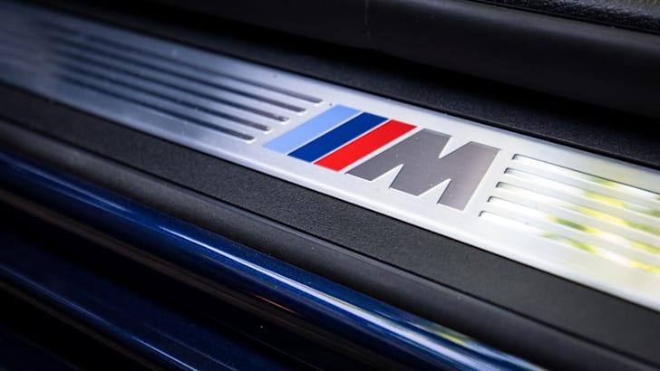 2016-bmw-535i-sedan-21