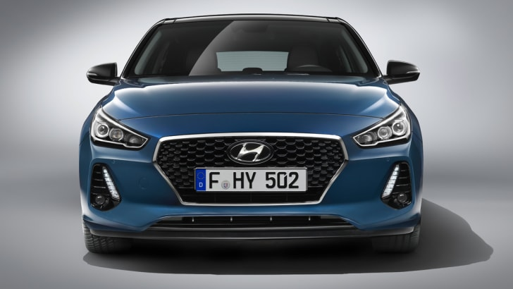 2017_hyundai_i30_official_02