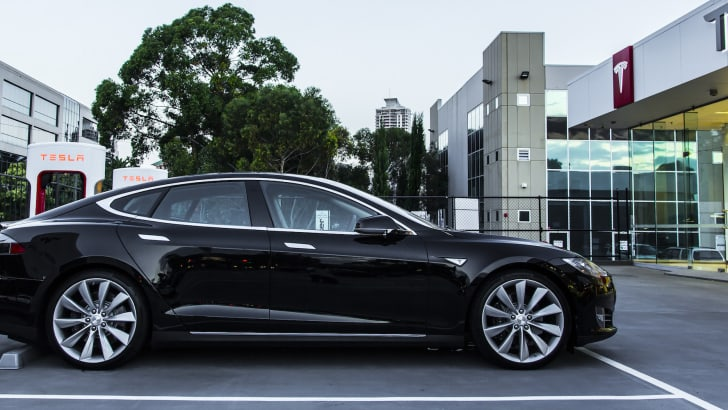 tesla-models-85-apr2015-1