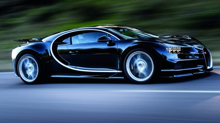 2016_bugatti_chiron_on-road_05
