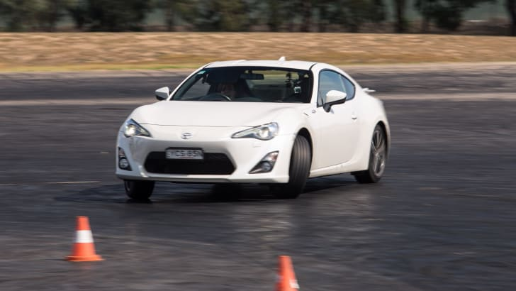 2016-toyota-86-how-to-drift-94