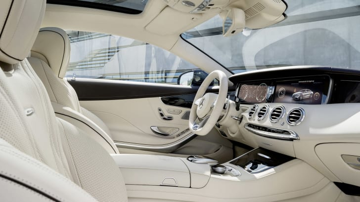 Mercedes-Benz S65 AMG Coupe interior