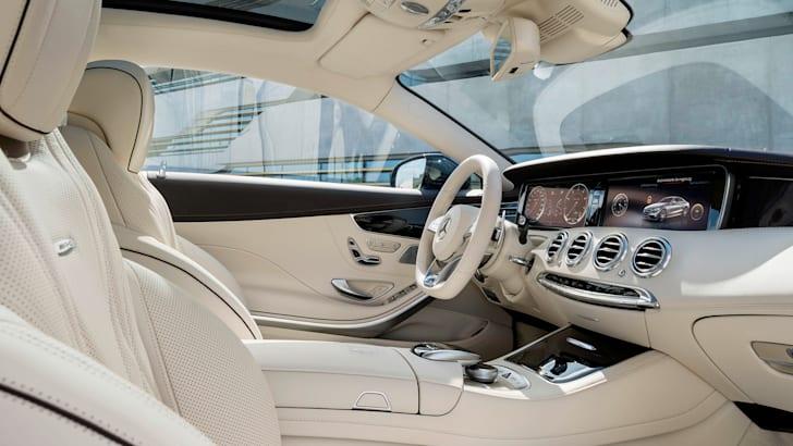 Mercedes-Benz S65 AMG Coupe interior