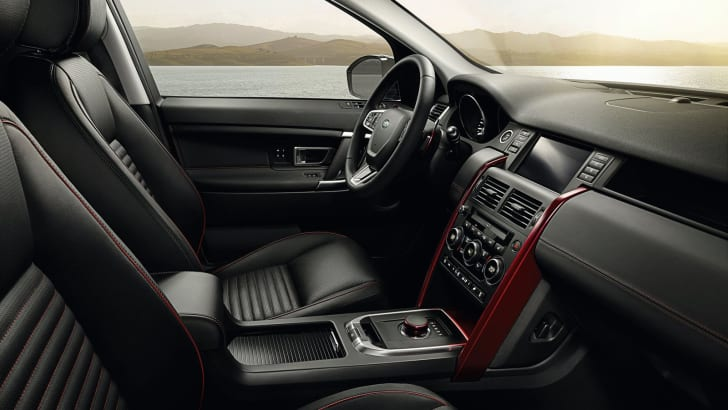 2016_land-rover_discovery-sport_dynamic_08a